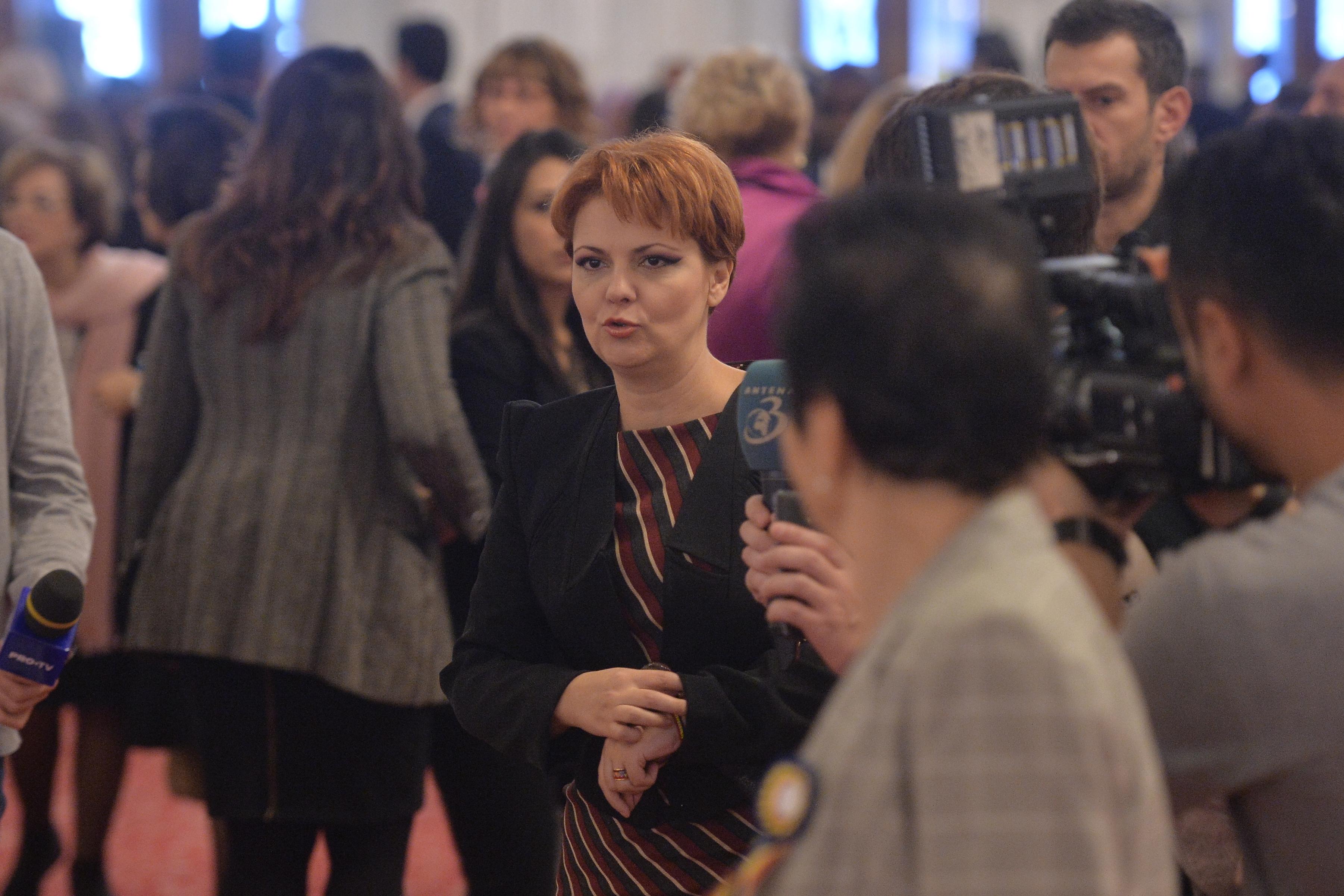 Olguţa Vasilescu: Salariile nu scad deloc. Preşedintele BNS, Bogdan Hossu, interpretează vorbele noastre şi ale patronatelor