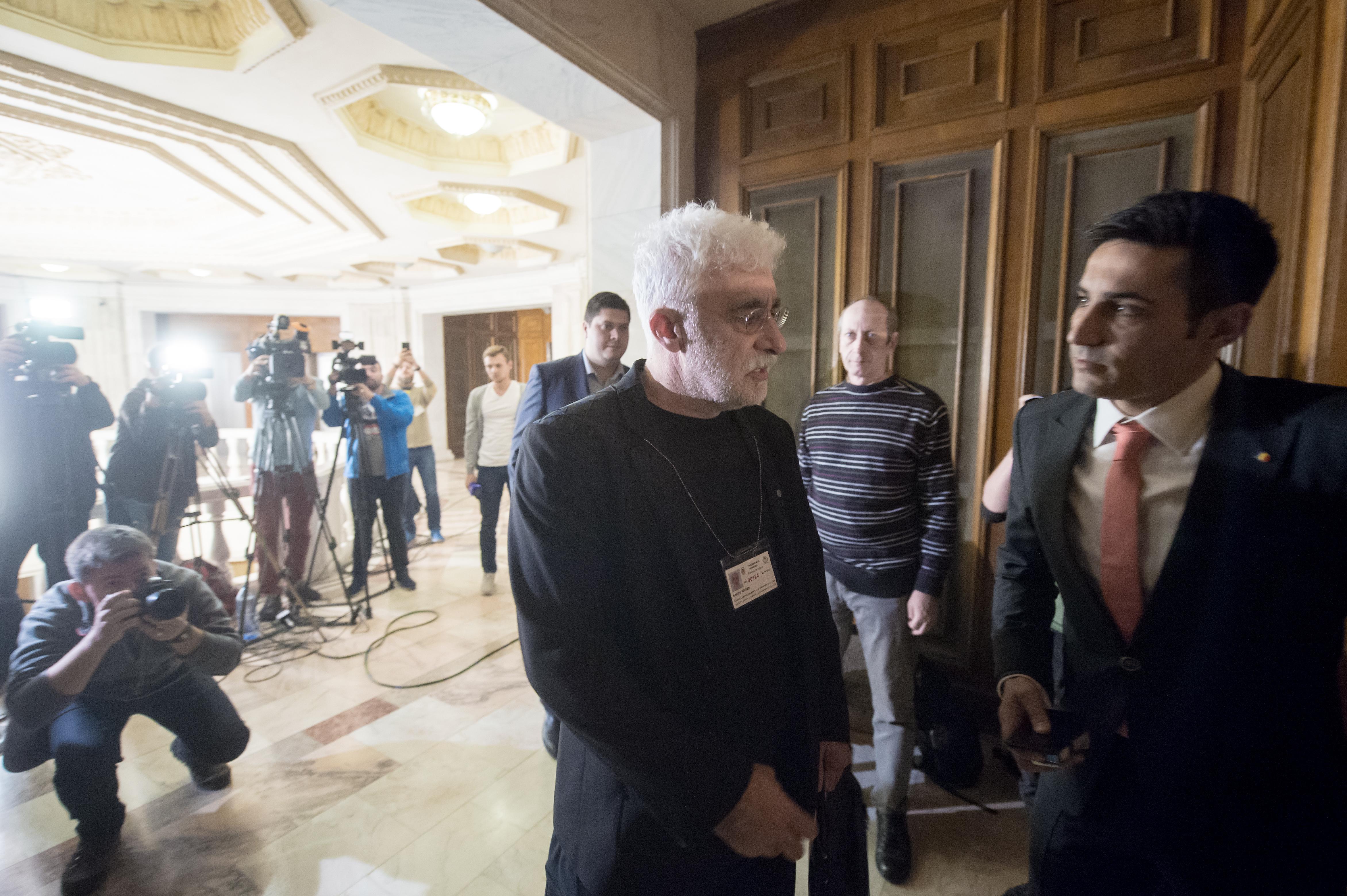 Manda: Adrian Sârbu a spus că s-a încercat implicarea SRI în coordonarea editorială a instituţiilor media. A fost o activitate de distrugere a celei de-a patra puteri în stat