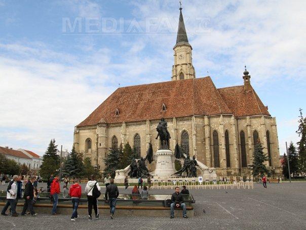 Consilierii UDMR sesizează Poliţia după vandalizarea grupului statuar Matei Corvin din Cluj