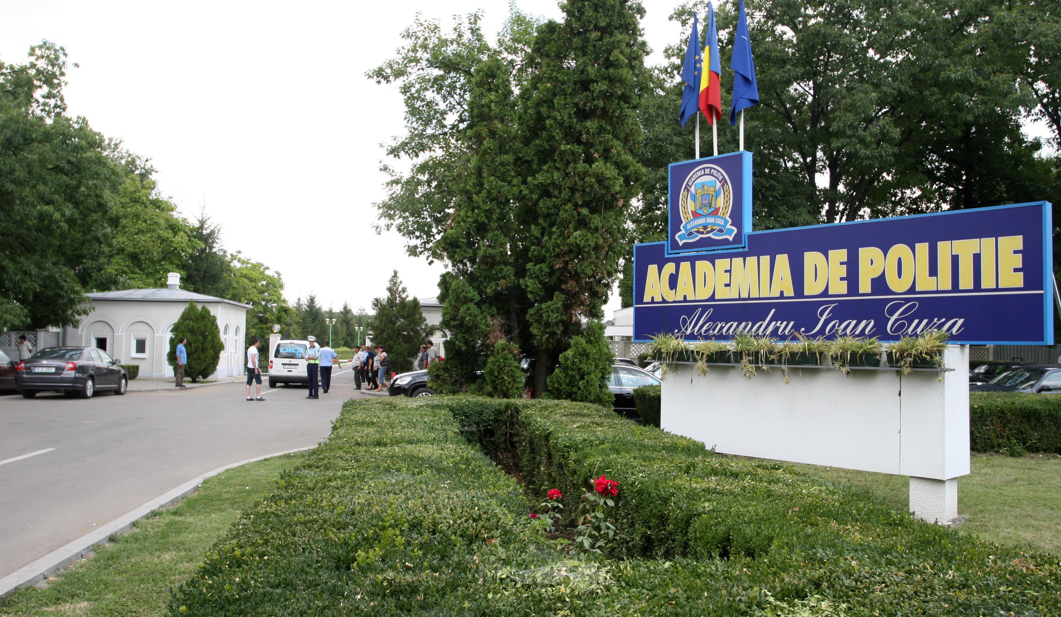 Ministrul Carmen Dan: Eliminarea condiţiei de înălţime, menţinută şi pentru viitoarele concursuri din sursă externă şi pentru cele din 2018 la Academia de Poliţie şi şcolile de agenţi şi subofiţeri