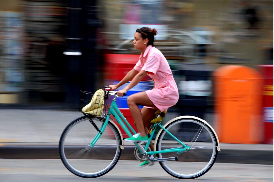 Senatul a aprobat reducerea amenzilor pentru biciclişti