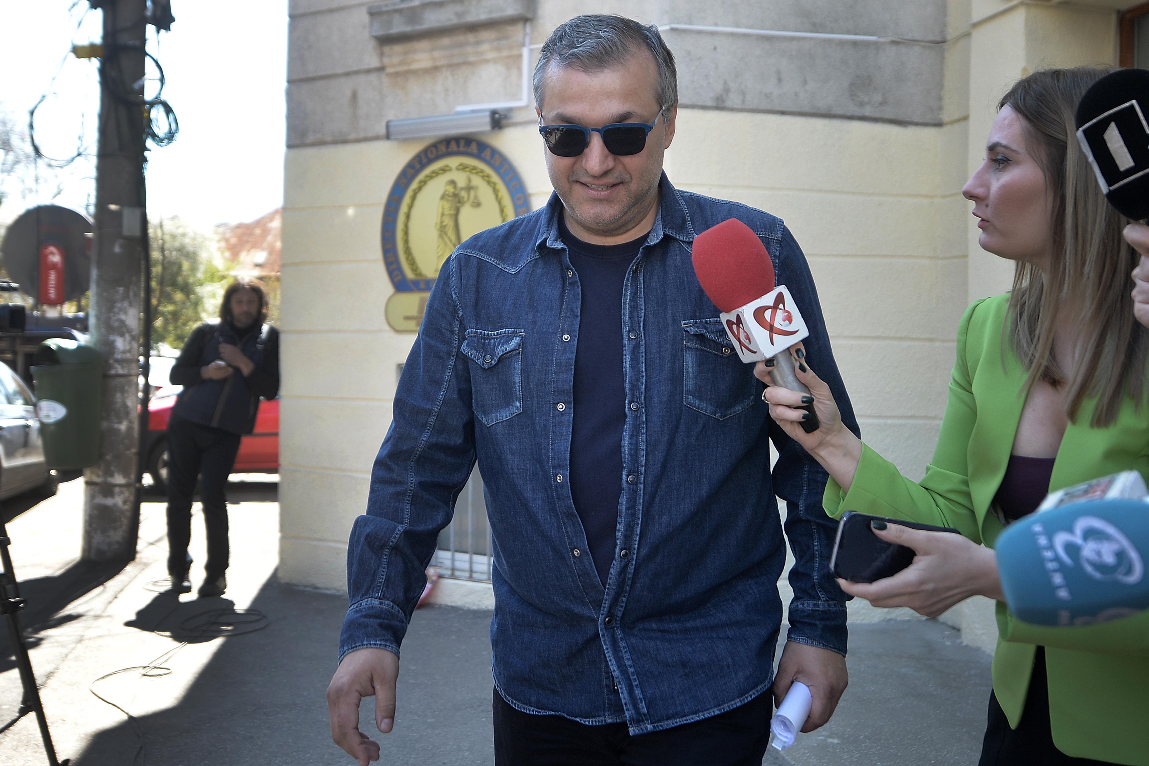 Şerban Nicolae vrea să îi invite la audieri în Comisia SIPA pe directorul EVZ Dan Andronic, dar şi pe jurnaliştii Mirel Curea şi Dan Tapalagă / Macovei refuză să se prezinte la Comisia SIPA