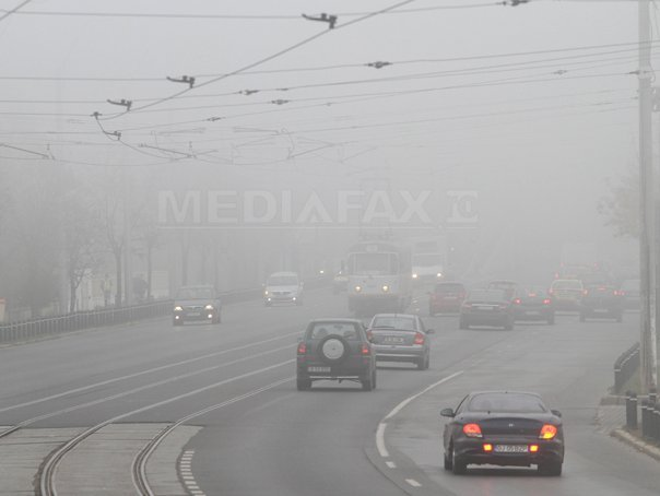 ALERĂ METEO Cod galben de ceaţă în opt judeţe/ Trafic rutier îngreunat, în condiţii de ceaţă, pe Autostrada Bucureşti – Consta