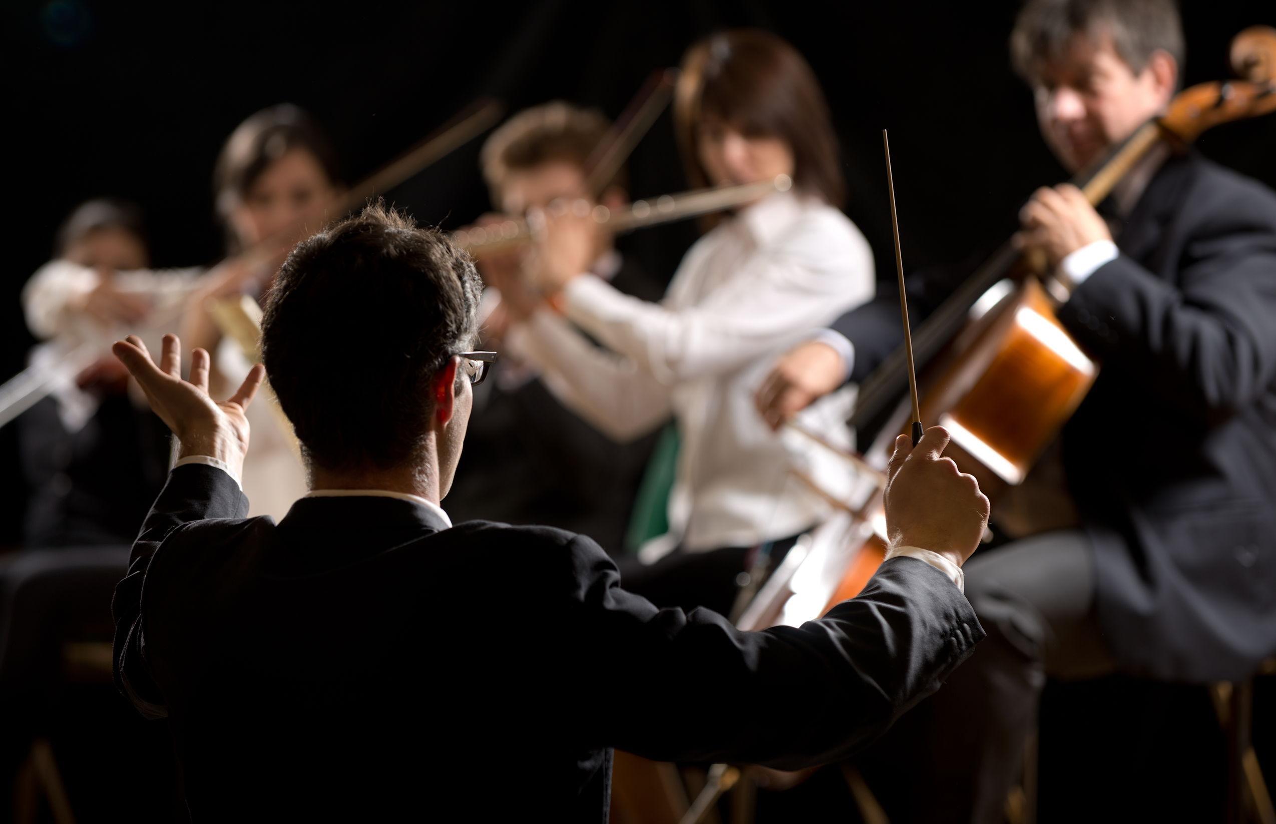 Un dirijor, asistent universitar la o facultate de arte, s-a spânzurat la 32 de ani
