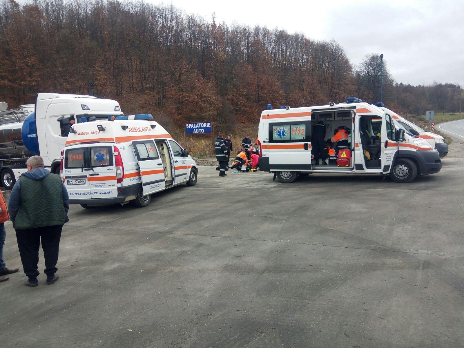 Trei bărbaţi au murit intoxicaţi cu vaporii inhalaţi dintr-o cisternă de transport bere
