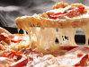 Imaginea articolului O familie din Constanţa, care a comandat pizza acasă, a găsit în cutie şi două unghii false