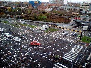 Ce se întâmplă cu marcajele rutiere de la intersecţia din Timişoara devenită celebră în întreaga lume   FOTO
