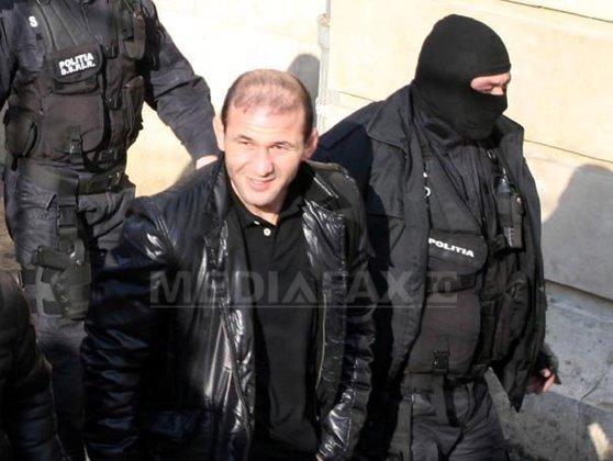 Imaginea articolului Liderul grupării care a furat arme din unitatea militară de la Ciorogârla, eliberat condiţionat în baza recursului compensatoriu. Eugen Preda era condamnat la 12 ani de închisoare
