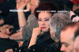"""Trupul neînsufleţit al actriţei Stela Popescu a fost depus, în aplauze, la Teatrul de Revistă """"Constantin Tănase""""/ Sute de persoane au venit să-şi ia rămas bun/ """"Nu ştiu cine poate să o înlocuiască în piesele cu Arşinel"""""""