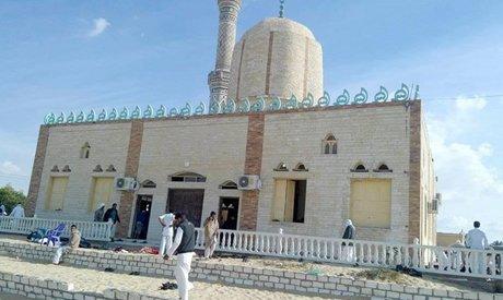 ATENTAT sângeros la o moschee din Egipt: cel puţin 235 de morţi şi zeci de răniţi. Bilanţ în creştere