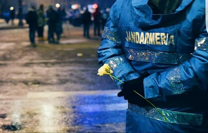Jandarmeria, despre protestele de duminică seara: Asigurăm fară discriminare protecţia tuturor celor care aleg să-şi exprime opinia paşnic