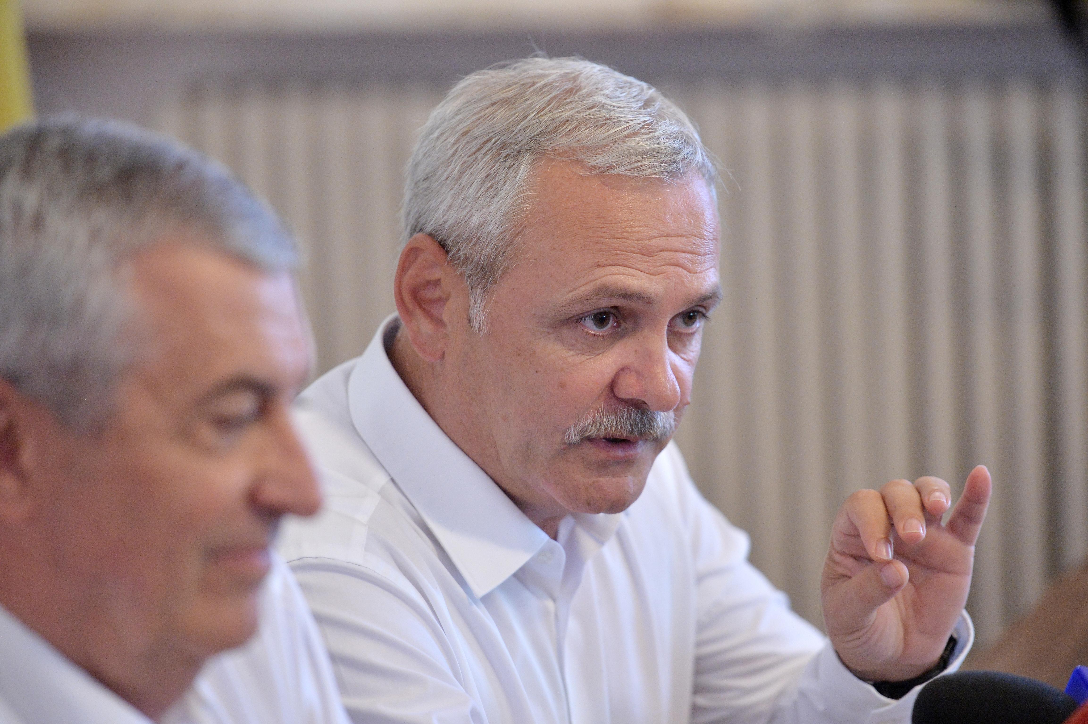 USR cere demisiile lui Liviu Dragnea şi Călin Popescu Tăriceanu de la conducerea Parlamentului