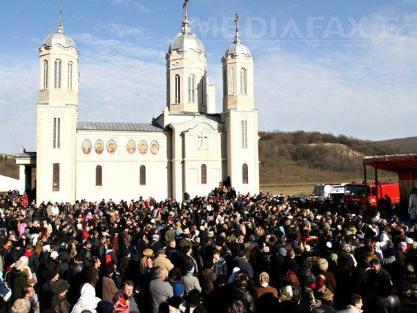 Aproximativ 15.000 de credincioşi, la Mănăstirea Sfântul Apostol Andrei din judeţul Constanţa