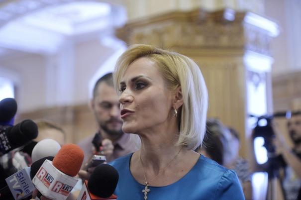 Gabriela Firea: Nu comentez declaraţia premierului despre Târgul de Crăciun din Piaţa Victoriei. Energia mi-o canalizez către cinstirea eroilor