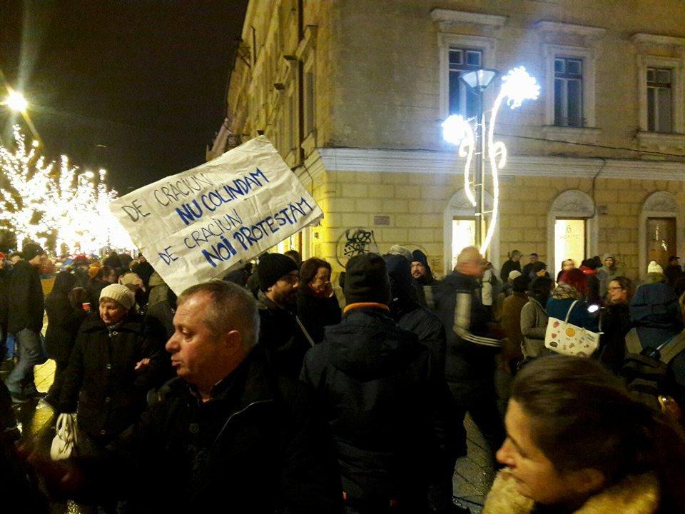 Proteste în Bucureşti şi în marile oraşe din ţară faţă de măsurile Guvernului | FOTO