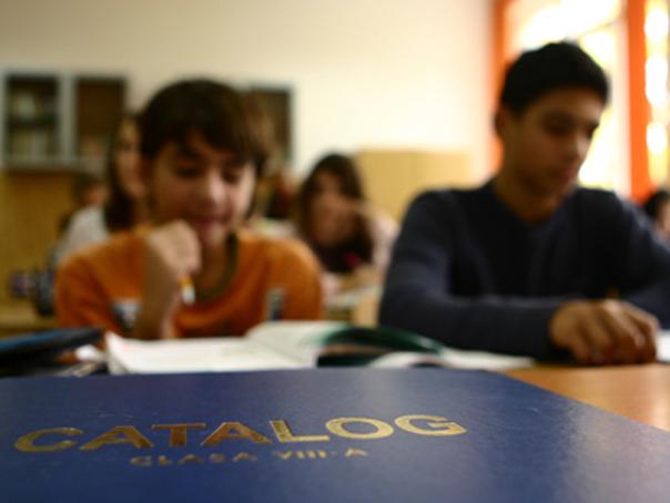 Comisia Europeană: În România, abandonul şcolar este de două ori mai mare decât media europeană