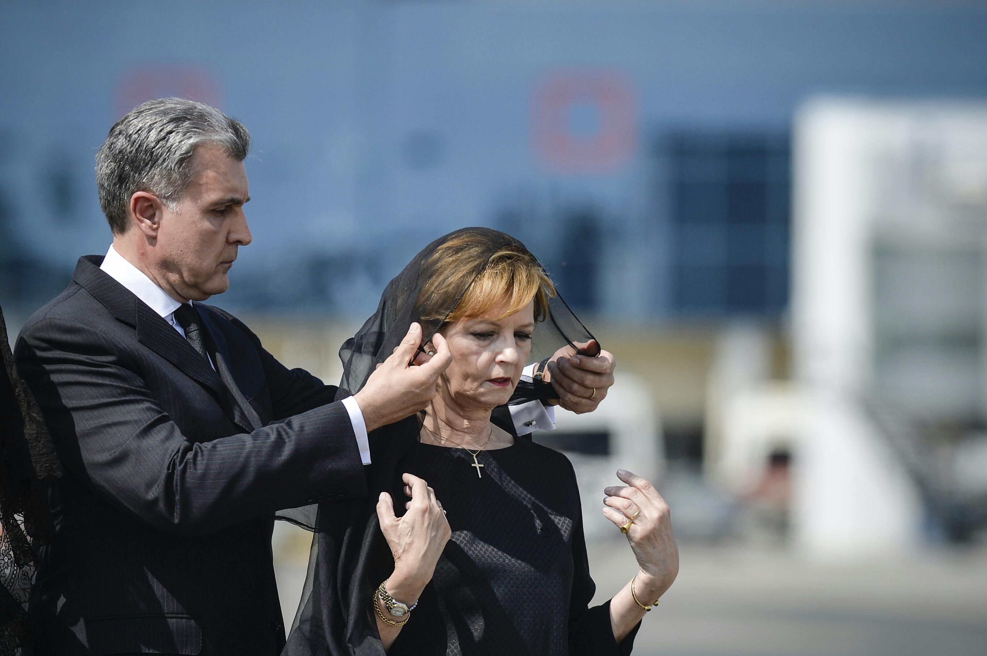 Custodele Coroanei, principele Radu şi principesa Maria, rugăciune la reşedinţa din Elveţia