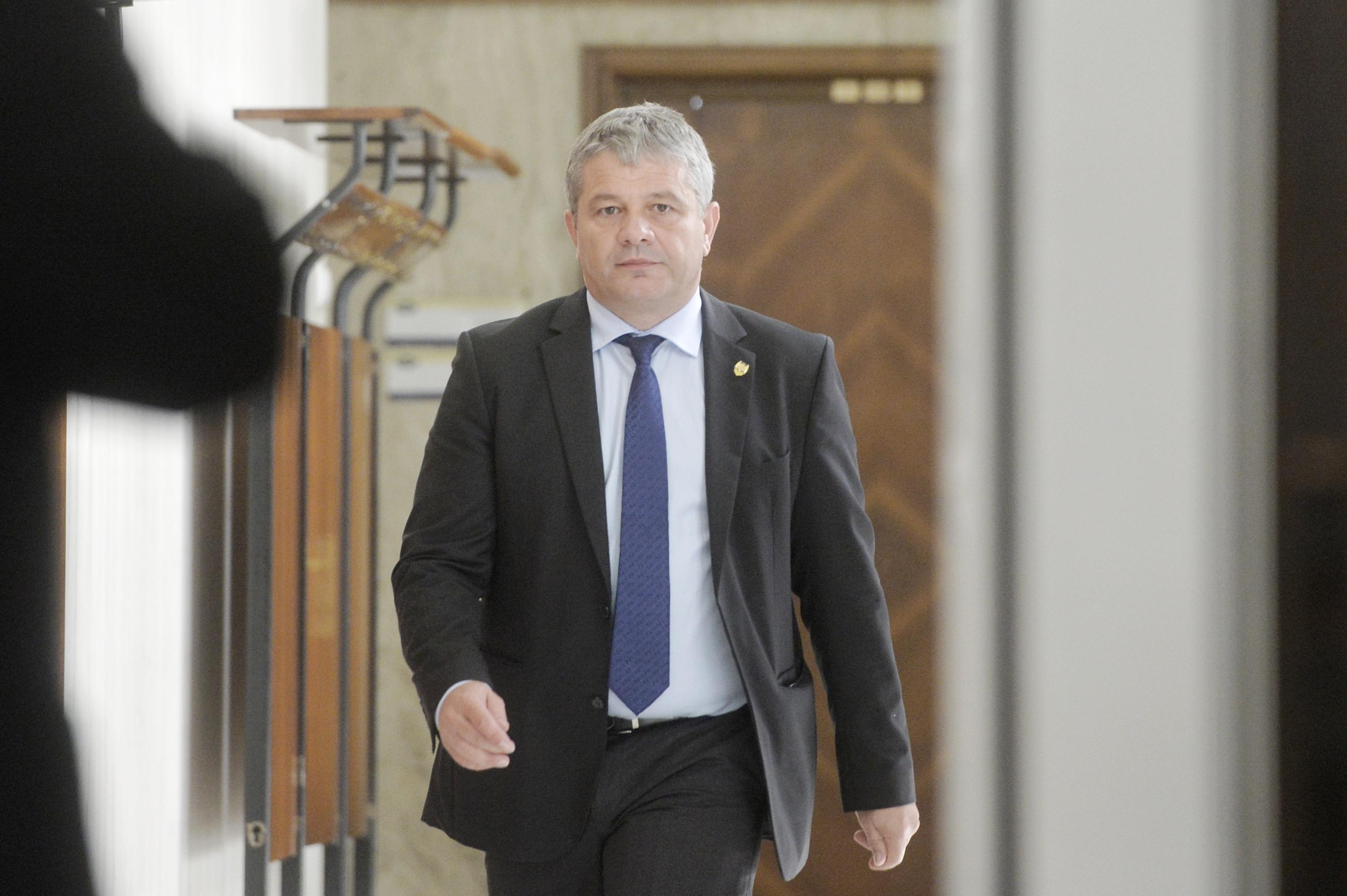 Guvern: Neîndeplinirea atribuţiilor în aprovizionarea cu medicamente ar putea duce la plângeri penale/ Tudose: Nu-l schimb pe Bodog
