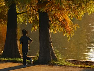 Tânără din Slatina, SALVATĂ în mod miraculos de la înec de un bărbat care era la alergat