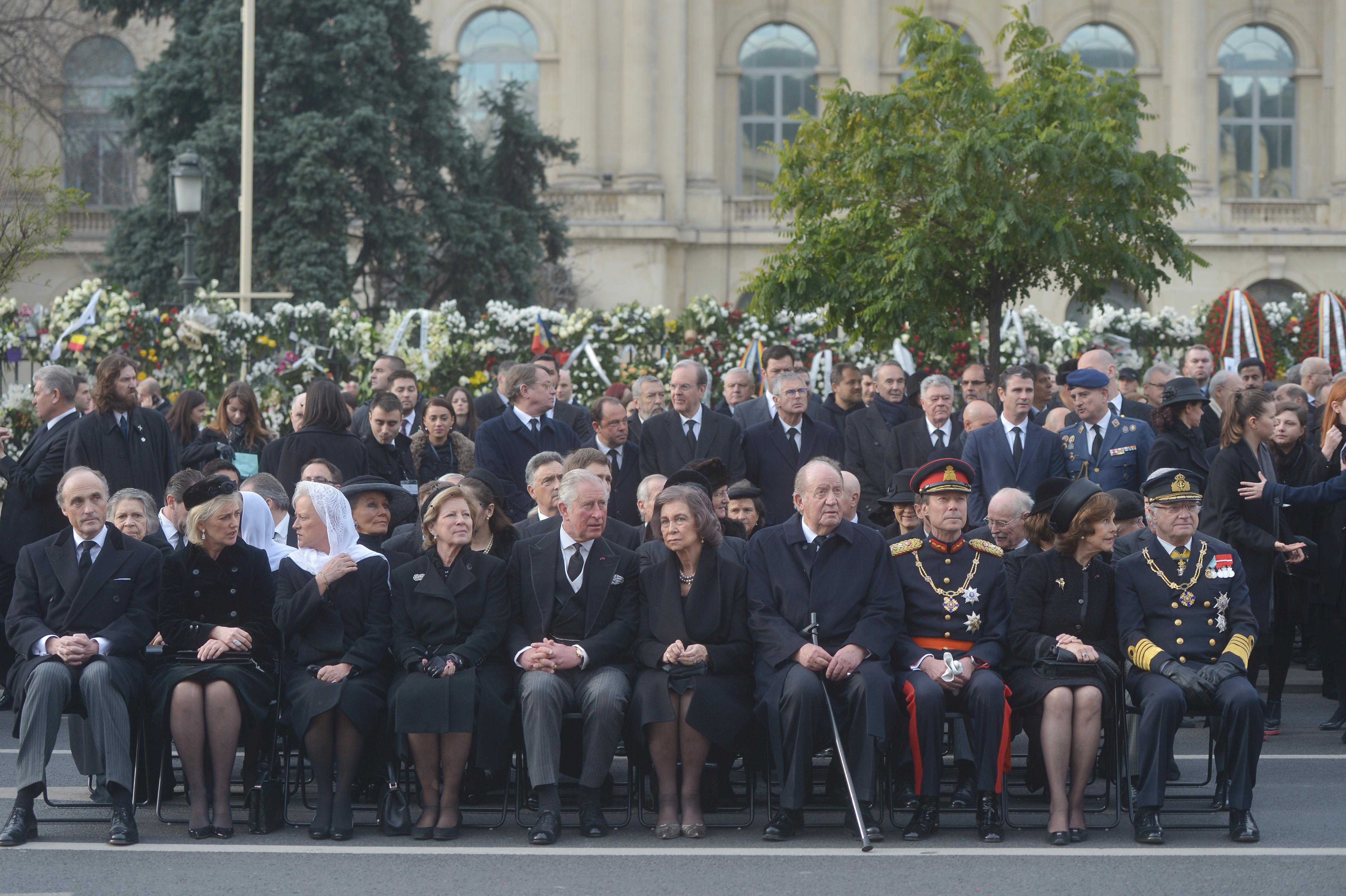 VIDEO Regi şi regine, principi şi principese, personalităţile care au venit la ceremoniile de înmormântare a REGELUI MIHAI