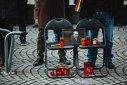 Imaginea articolului Al şaptelea flashmob în faţa sediului PSD Sibiu. De ce au venit oamenii cu genţi de voiaj
