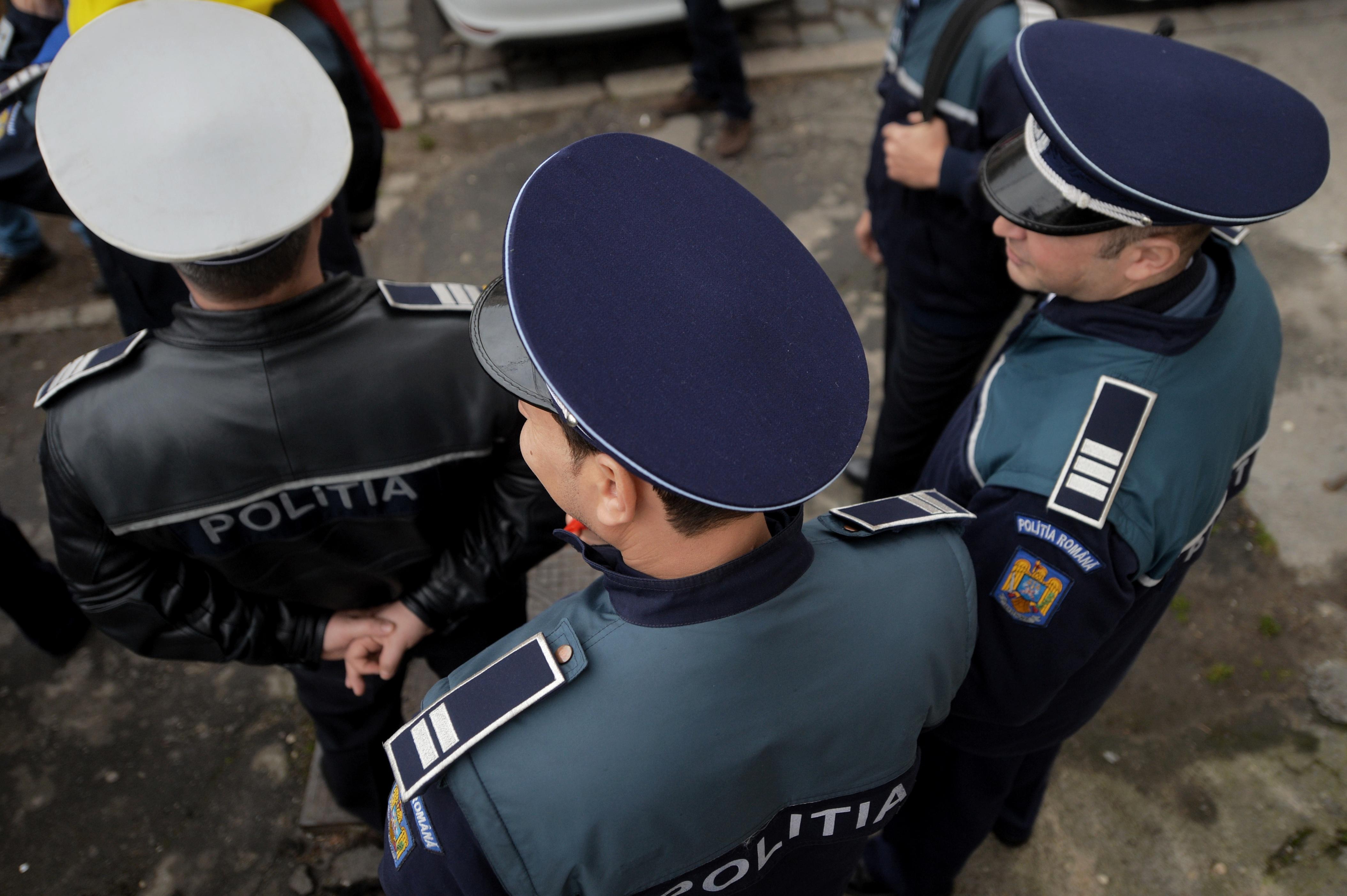 Protest al poliţiştilor şi angajaţilor ANP, în faţa sediului MAI, nemulţumiţi de subfinanţarea sistemului de ordine publică