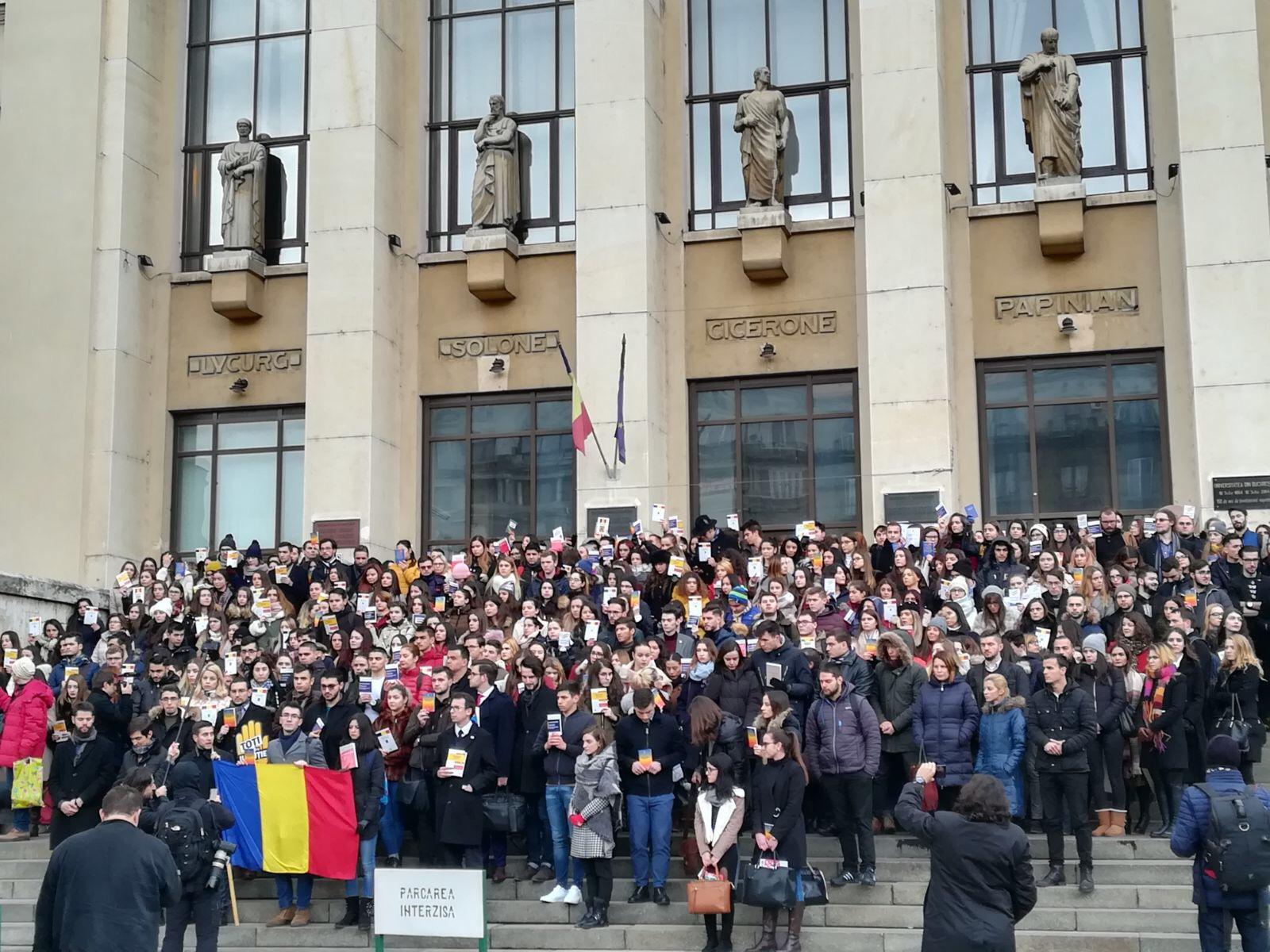 Protest mut al studenţilor de la Drept faţă de modificările aduse legislaţiei penale