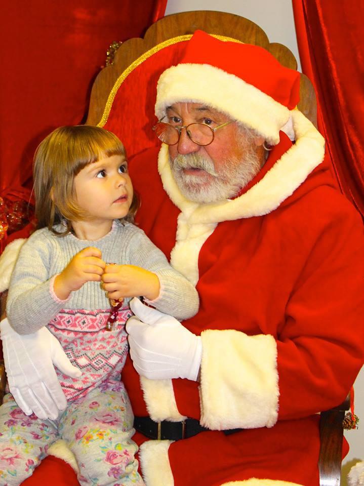 În căutarea `Moşului` perfect | Moş Crăciuni `autentici`, cu barbă albă, naturală, oferiţi spre închiriere de o firmă din Timişoara - FOTO