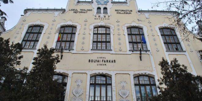 Deputaţii au aprobat înfiinţarea Liceului Teologic Romano-Catolic din Târgu Mureş. Turcescu (PMP):  Este o şedinţă intempestivă, faceţi un troc politic, un joc periculos