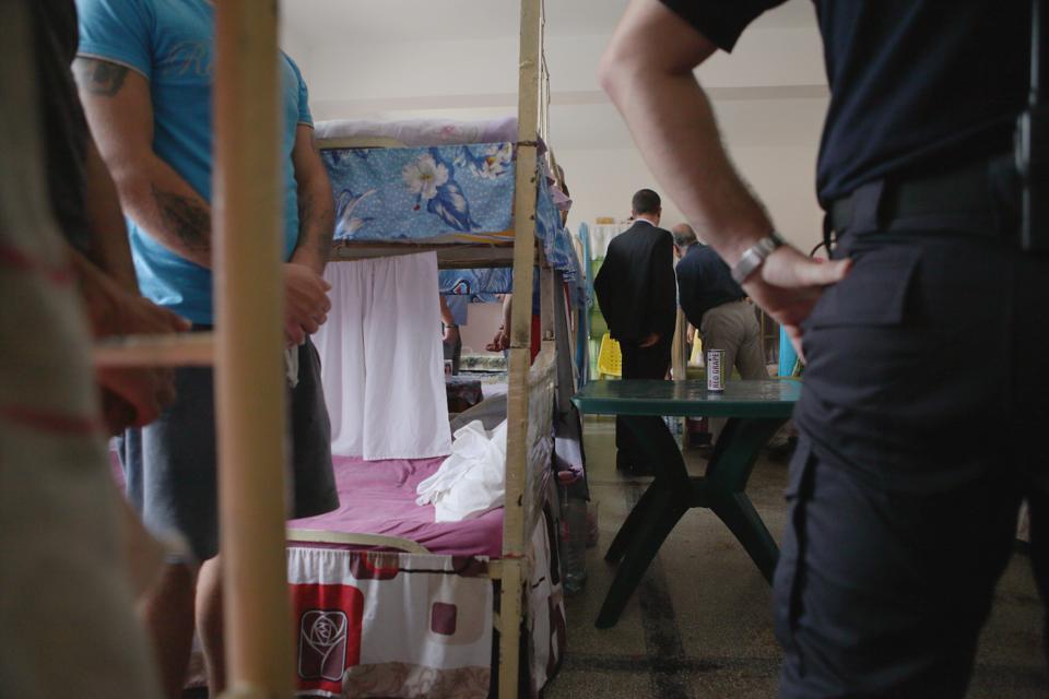 RETROSPECTIVĂ 2017: Sistemul penitenciar, între decizia CEDO şi recursul compensatoriu. Situaţia în ÎNCHISORILE din România