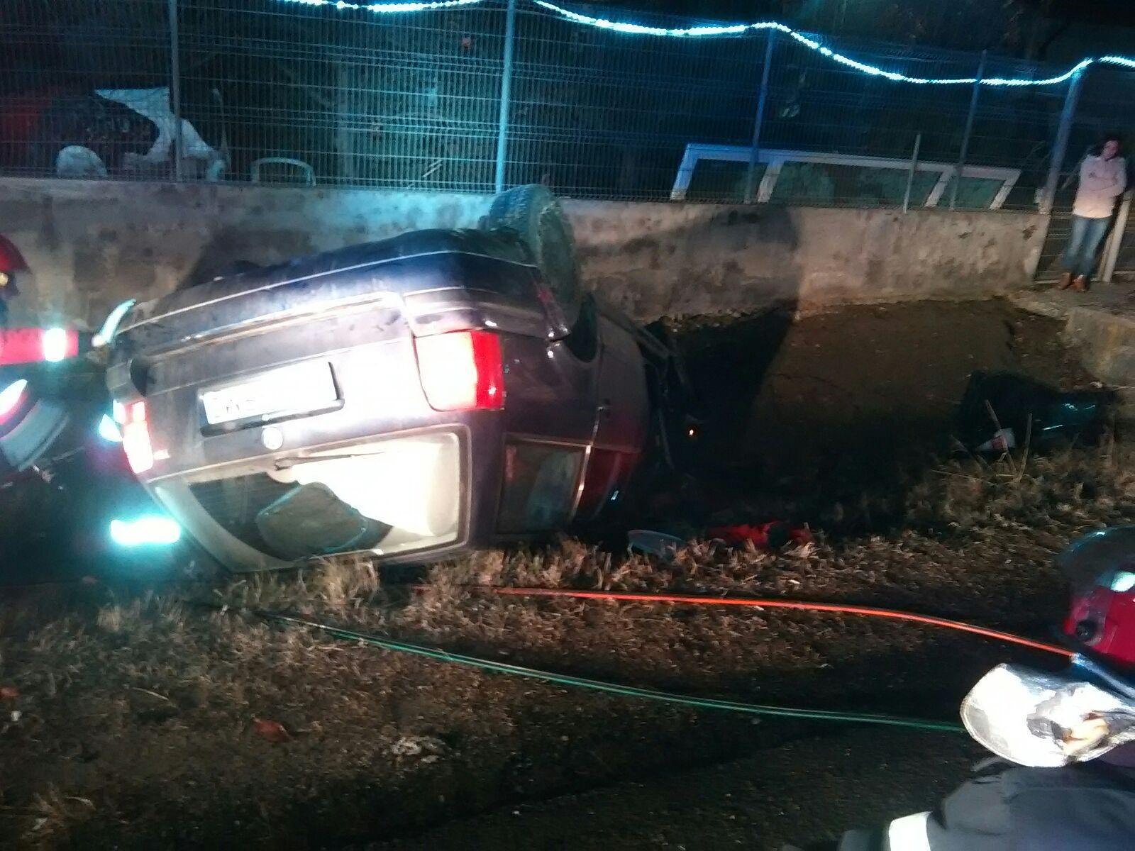 Doi morţi şi patru răniţi în urma unui accident rutier pe DN 6, în Işalniţa
