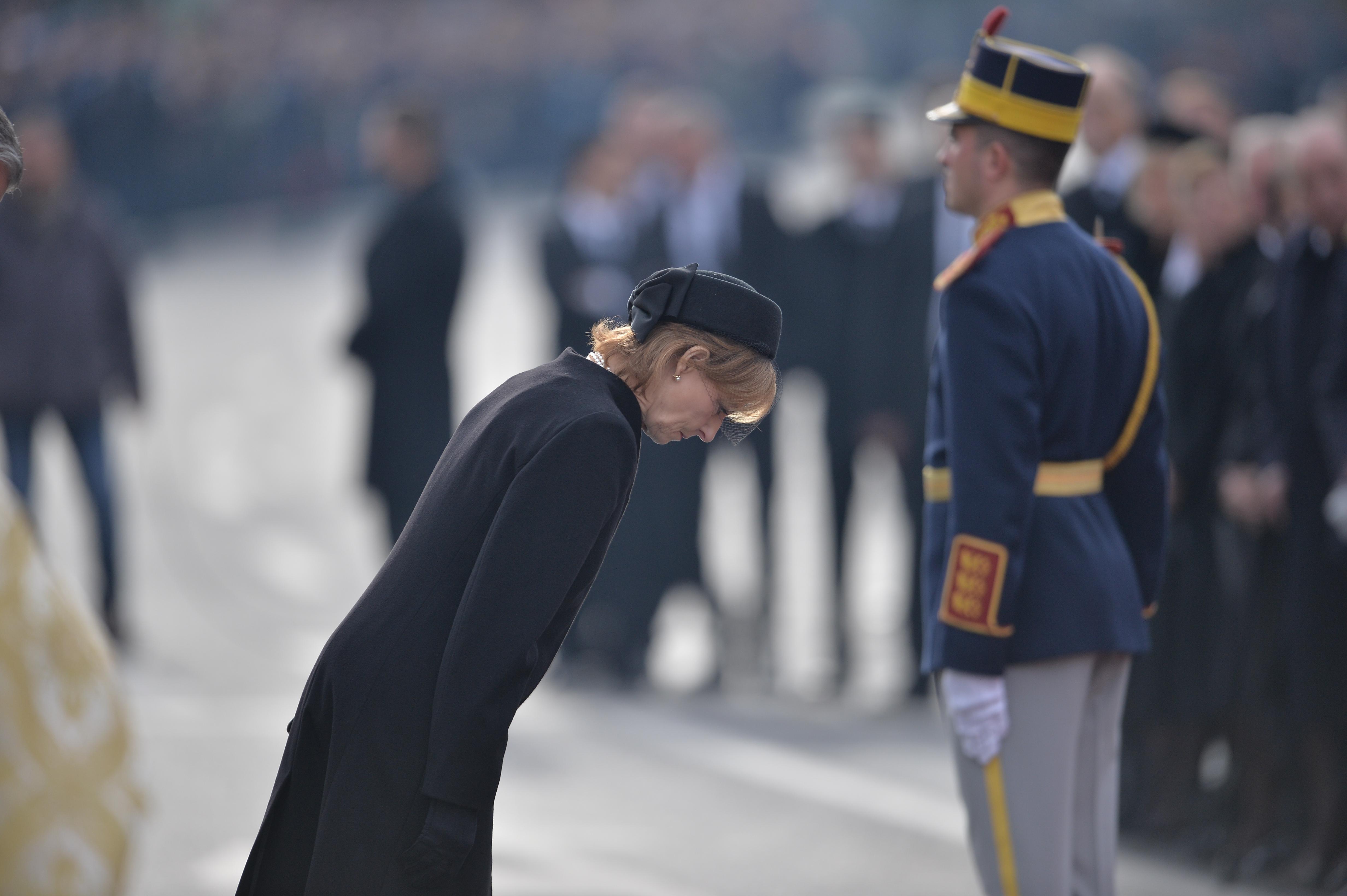 Director Casa Regală: Vom face album cu cele mai impresionante 96 de poze de la funeraliile Regelui