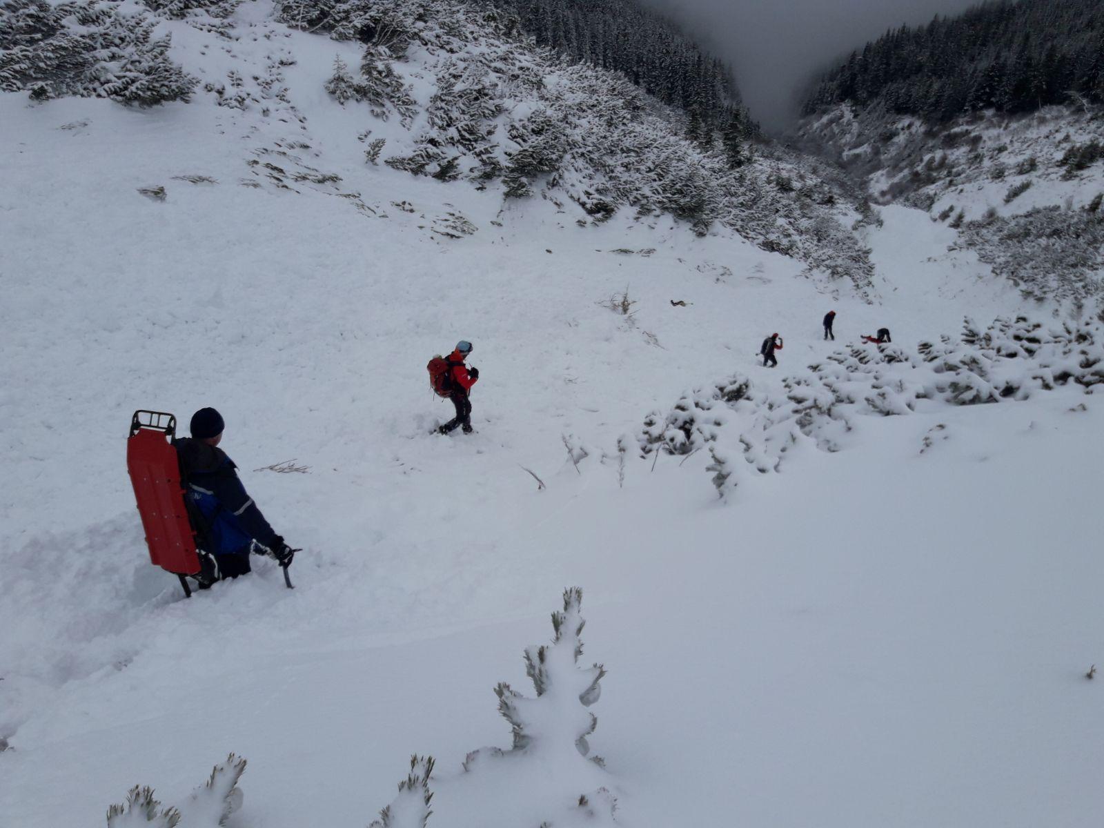 Atenţie, turişti! Risc mare de producere a avalanşelor în Munţii Făgăraş şi în Bucegi