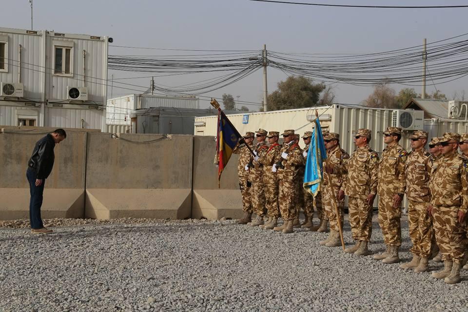 Ministrul Apărării, în vizită la militarii români din Afganistan: `Vă sunt recunoscător pentru tot ceea ce faceţi` | GALERIE FOTO