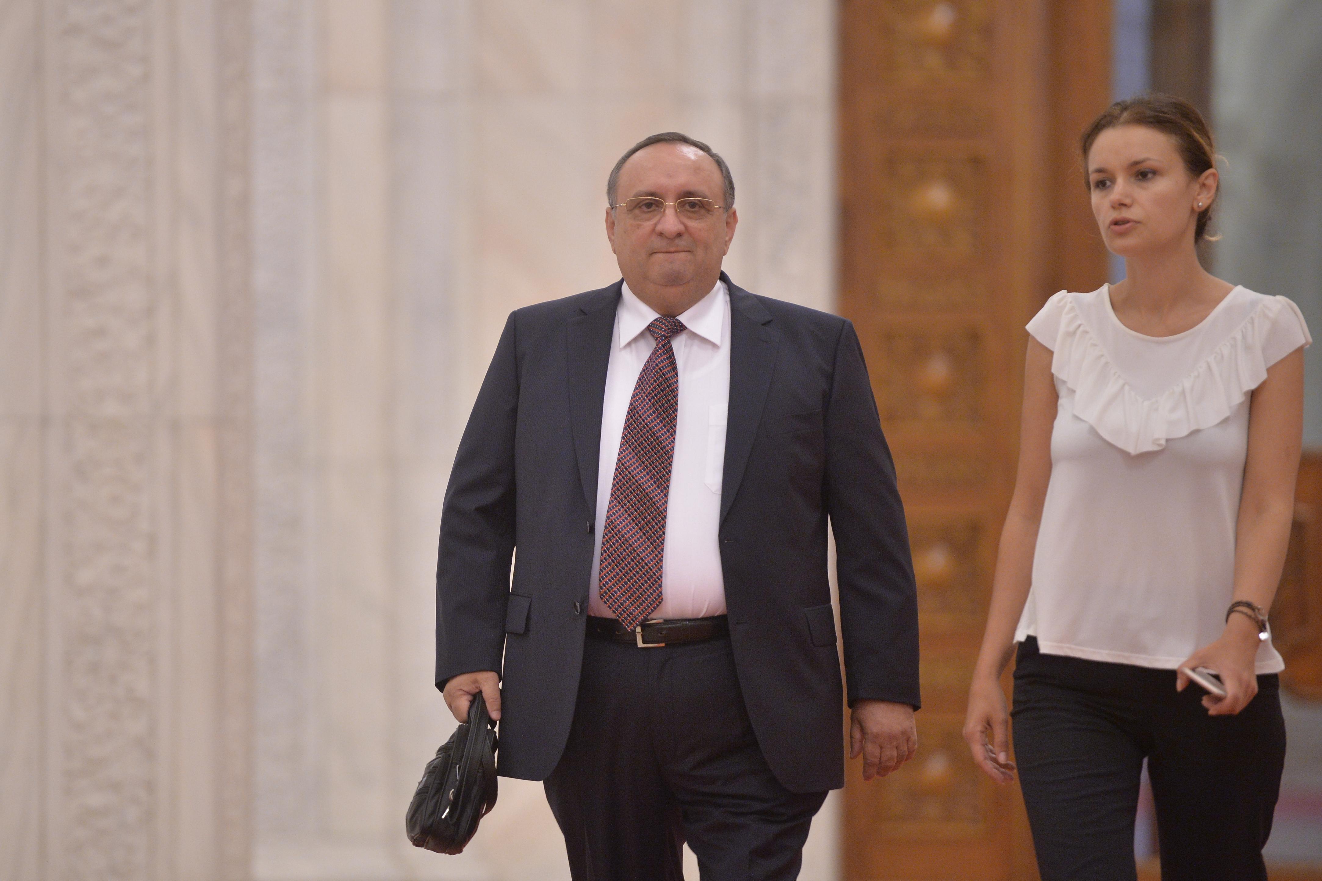 Mesaj al fostul şef SPP Dumitru Iliescu către ambasadorul Franţei: Aţi adus corupţia la noi. Nu faceţi pe lupul moralist