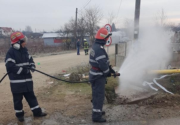 Dolj: Trafic rutier deviat pe DN 6 după ce o conductă de gaze a fost fisurată la Coşoveni FOTO, VIDEO