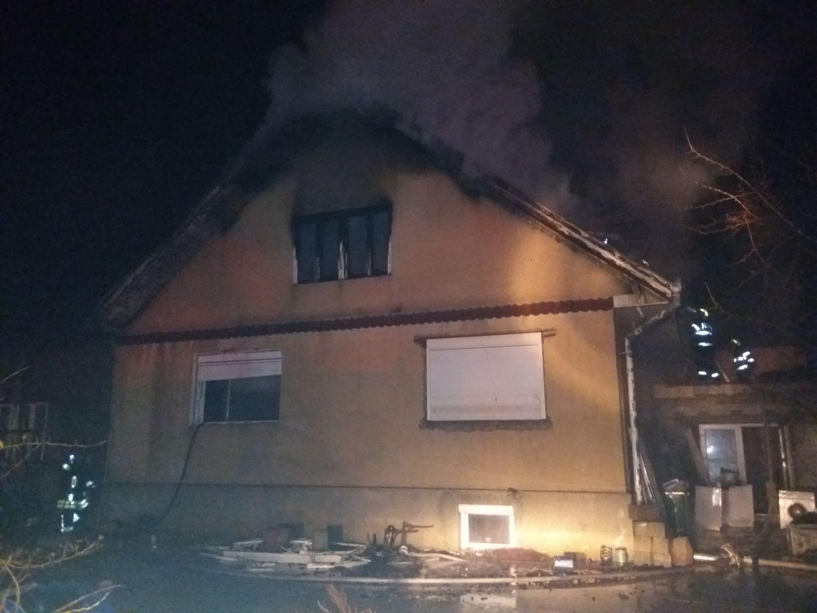 Braşov: Bărbat rănit după ce o sobă pe gaz a explodat într-o locuinţă