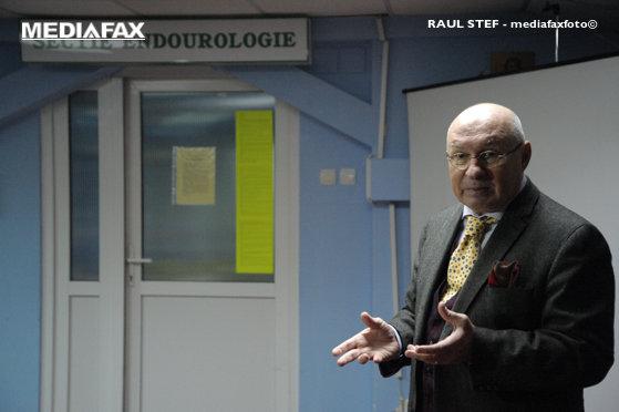 Imaginea articolului Medicul Mihai Lucan, despre cei 5.000 de euro găsiţi asupra sa: Am făcut peste 75.000 de operaţii