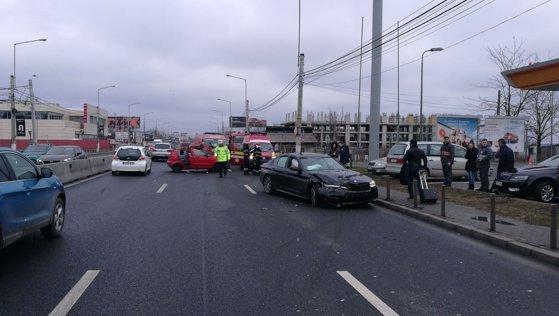 Imaginea articolului Accident la Otopeni: Două persoane au fost rănite grav/ Circulaţia rutieră a revenit la normal în Otopeni, după ce traficul a fost reluat pe toate benzile