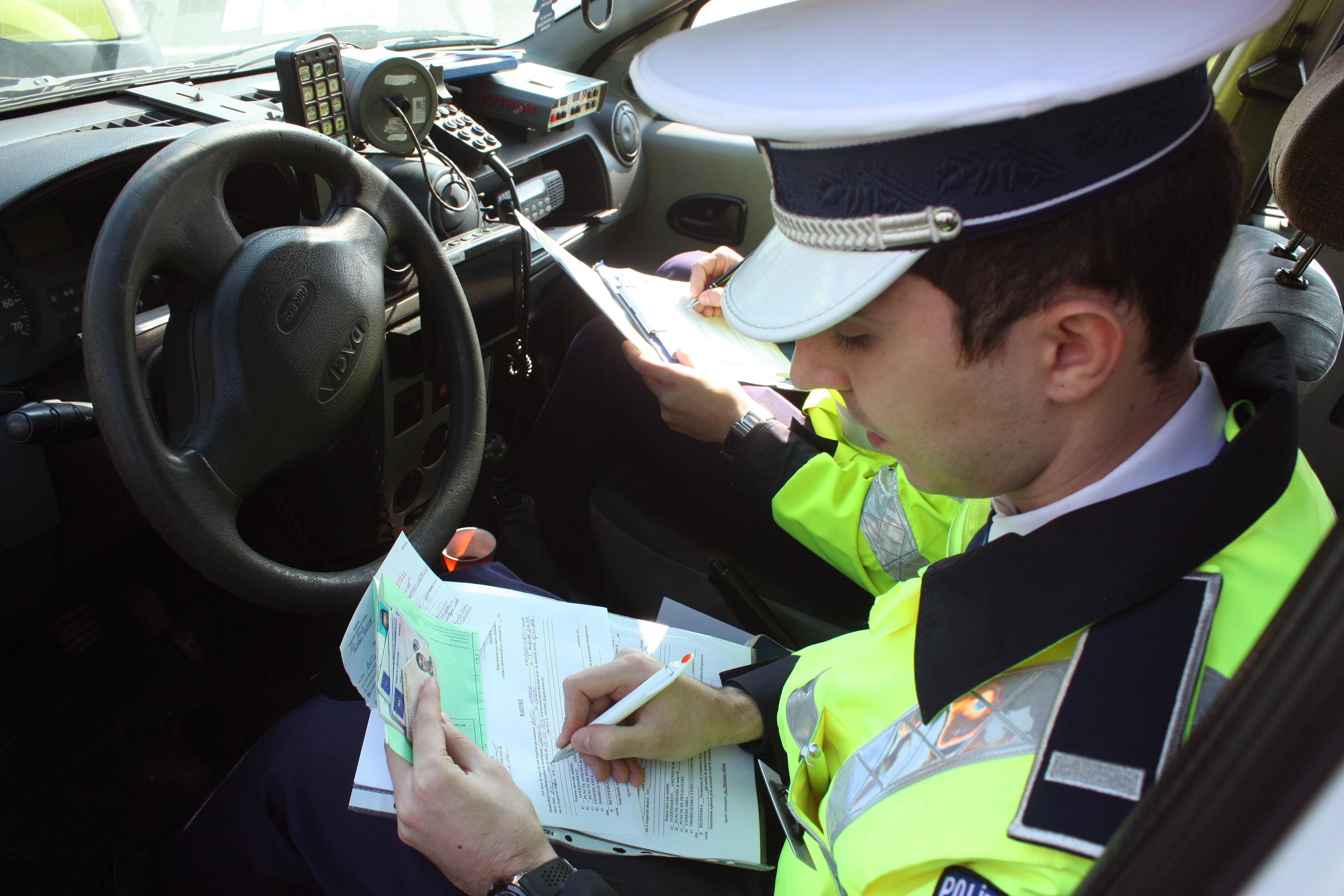 AMENZI record, în minivacanţa de Revelion: 947 de şoferi au rămas fără permis