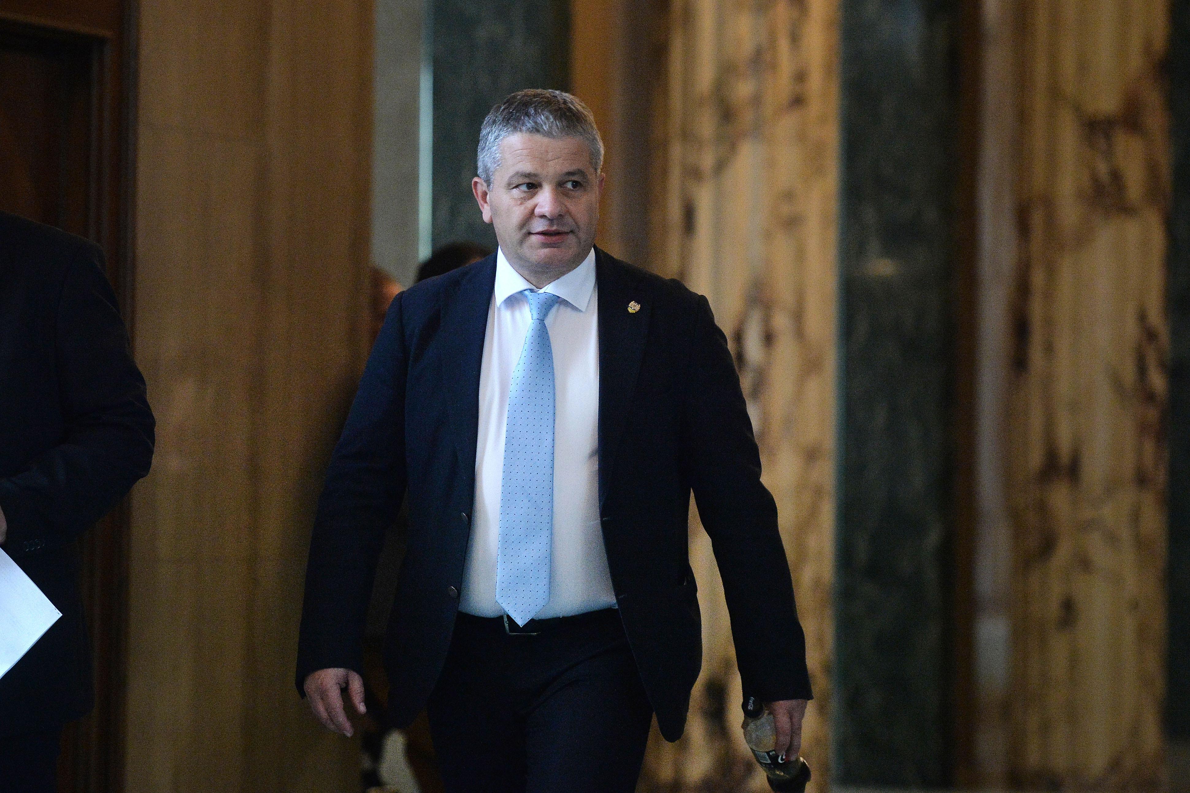 Ministrul Sănătăţii a fost audiat joi seara în dosarul medicului Lucan/ Emanuel Ungureanu: Ce are de ascuns DIICOT?
