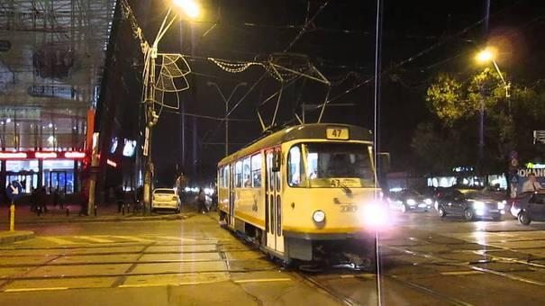 Un bărbat din Bucureşti, surprins sub tramvai, transportat în stare gravă la spitalul Bagdasar Arseni