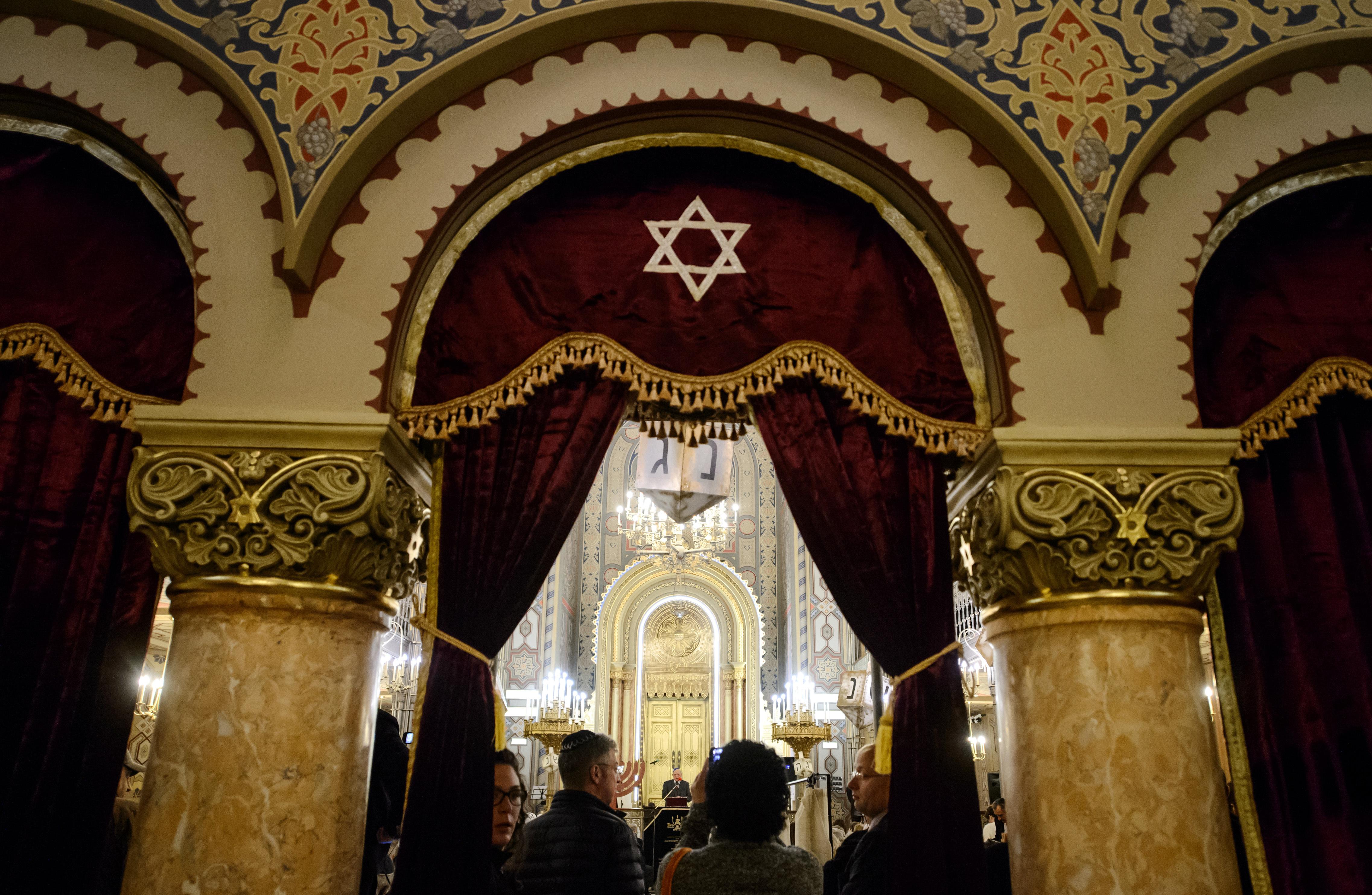 Preşedintele Federaţiei Comunităţilor Evreieşti va deveni cetăţean de onoare al Capitalei
