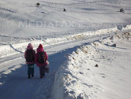 Imaginea articolului Cursuri suspendate în şcolile şi grădiniţele din Sinaia, din cauza zăpezii