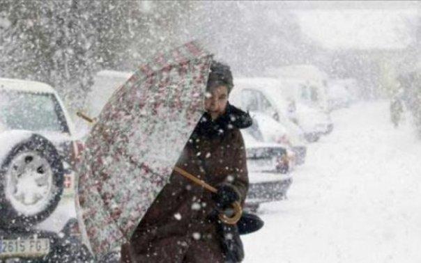 Imaginea articolului COD PORTOCALIU de vânt puternic şi ninsori viscolite în centrul ţării/ Peste 12.000 de efective MAI acţionează în judeţele afectate de vremea rea