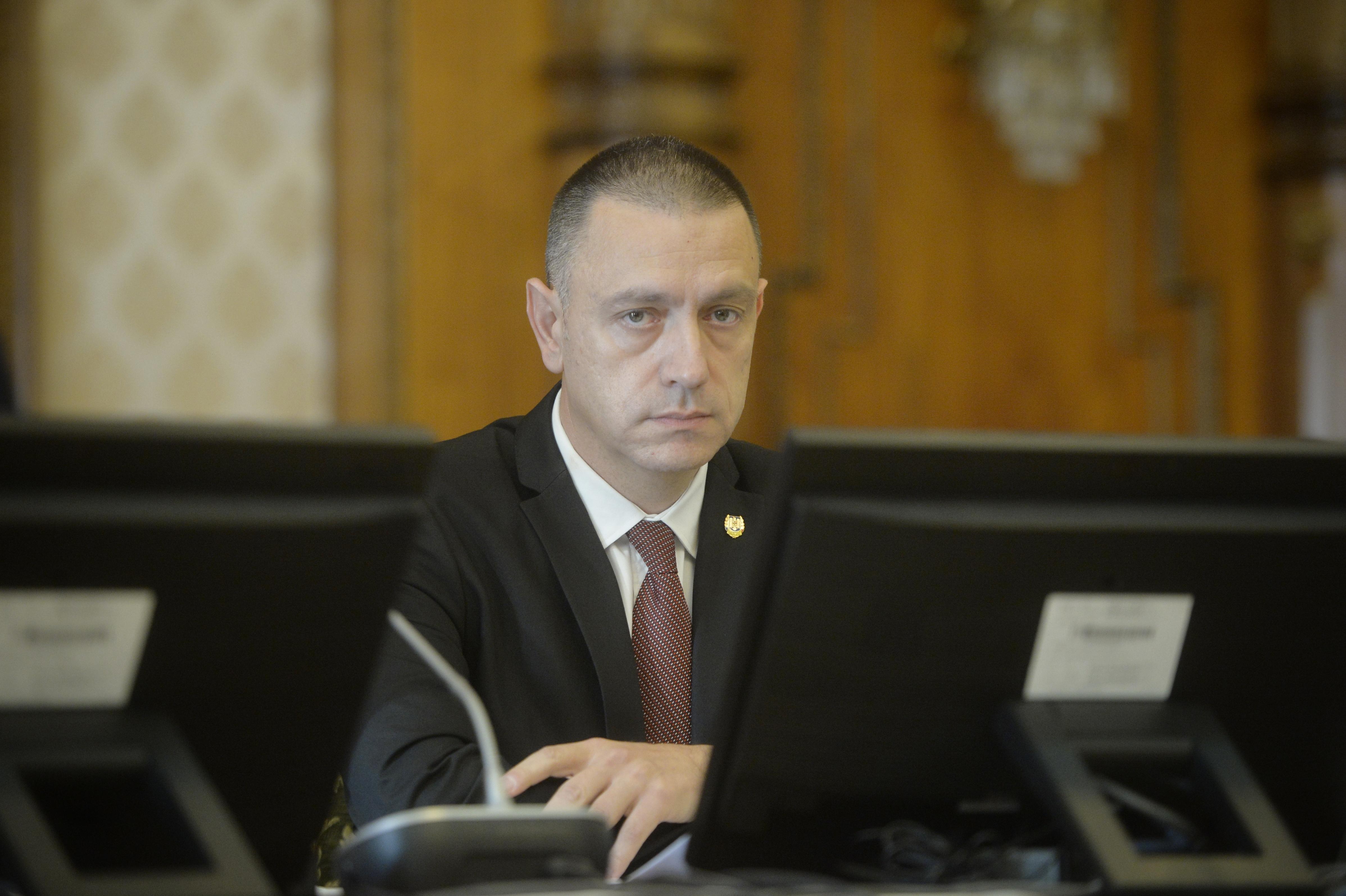 Mihai Fifor, premierul interimar, apel la populaţie să se informeze înainte de a pleca la drum