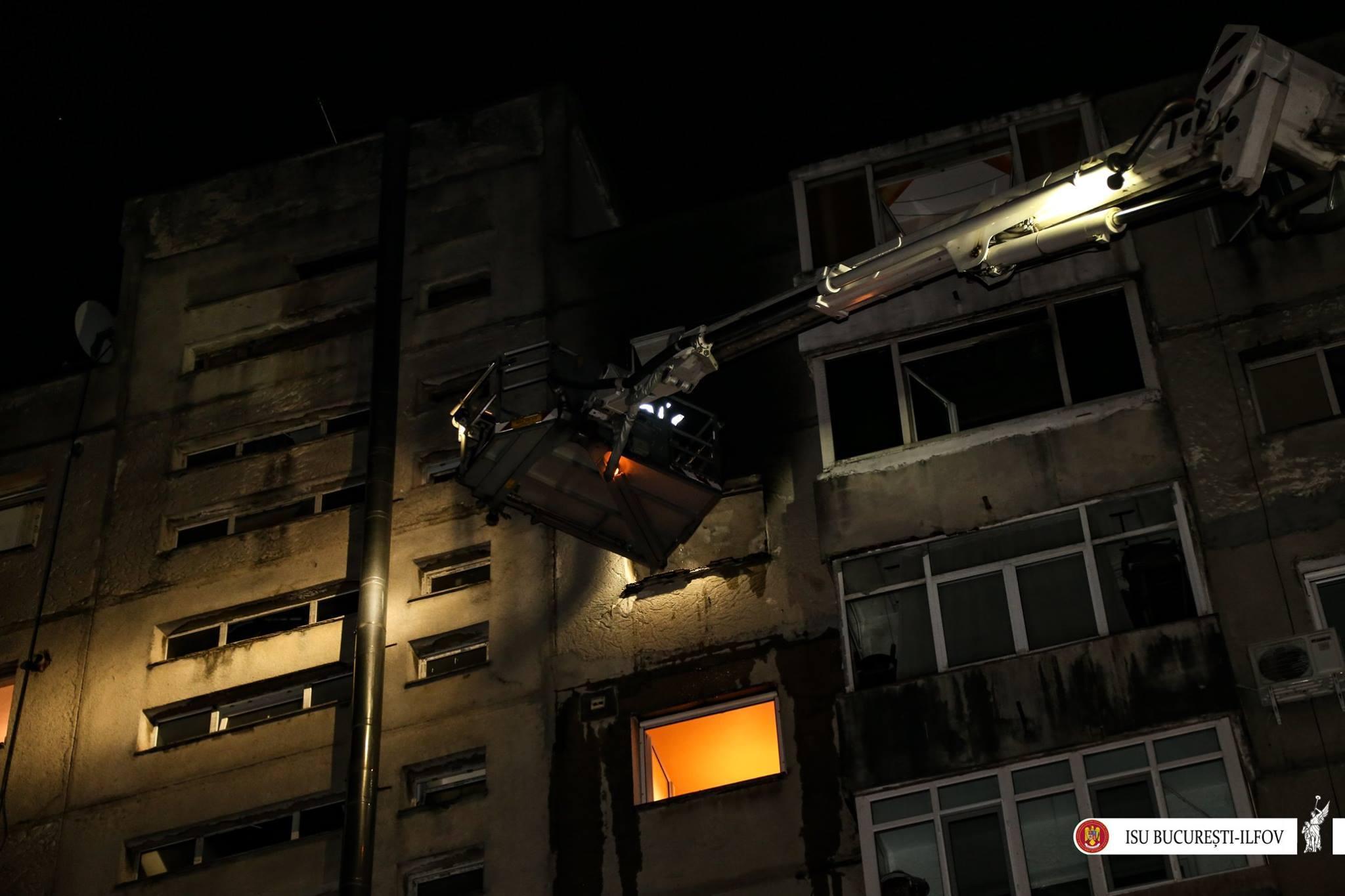 Incendiu puternic la un apartament din Ferentari. O femeie, transportată la spital