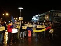 Imaginea articolului Protest în Bucureşti | Incidente între protestatari şi jandarmi/ Manifestanţii au mers în marş de la Universitate la Parlament / Jandarmii au găsit, la controale, arme albe asupra unor protestatari| FOTO, VIDEO