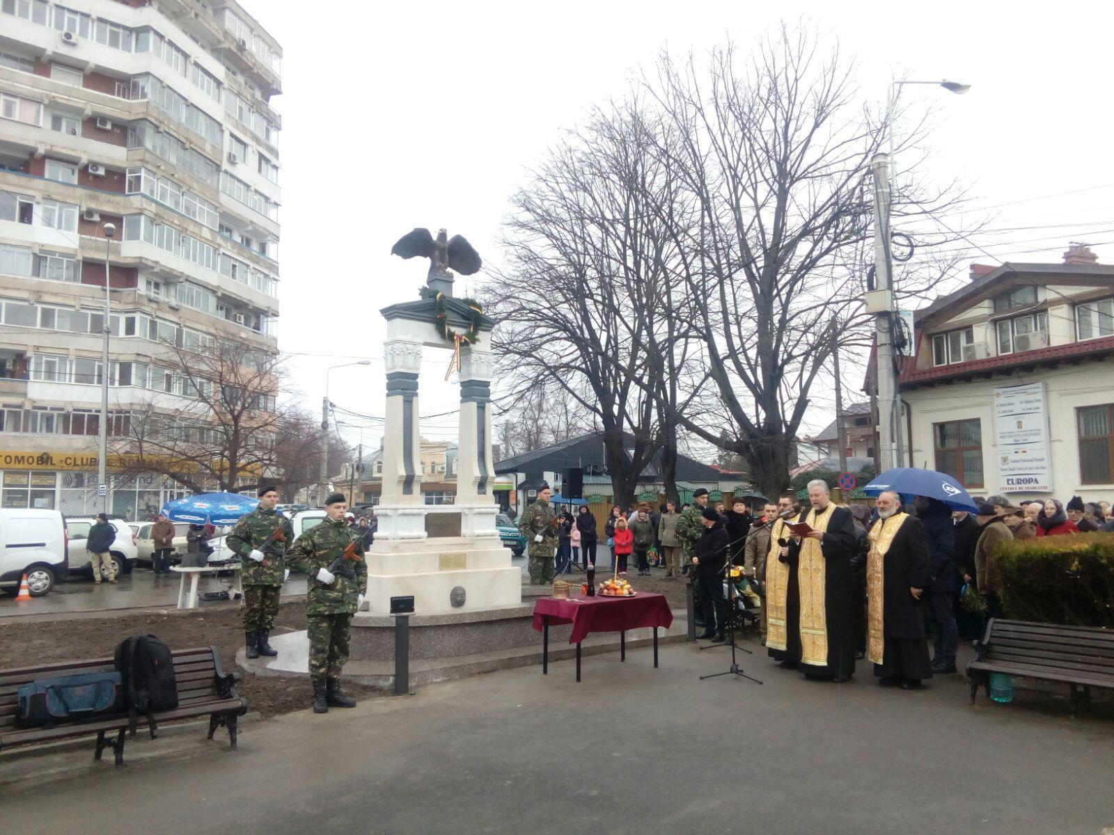 #100 Primul monument dedicat Centenarului Marii Uniri, inaugurat în oraşul Galaţi