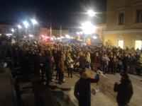 """Imaginea articolului Mii de oameni au protestat la Cluj. La Timişoara, manifestanţii au adus """"caracatiţa corupţiei"""""""